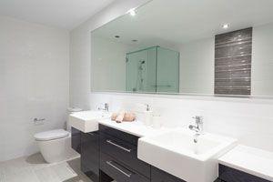 Ideas decorativas para el espejo del baño. Tips de decoración para el espejo del sanitario