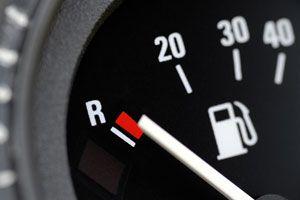 Ilustración de Cómo reducir el consumo de combustible al conducir