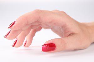 Ilustración de Cómo cuidar las uñas quebradizas