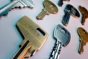 Ilustración de Cómo crear moldes para copiar llaves
