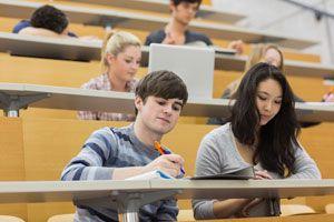 Ilustración de Cómo Tomar Apuntes en la Universidad