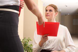 Ilustración de Cómo avisar en el trabajo que renuncio