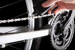 Ilustración de Cómo engrasar la cadena de la bicicleta