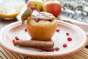Ilustración de Cómo hacer Manzanas Rellenas con Mantequilla y Merengue