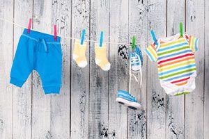 Ilustración de Cómo Lavar diferentes tipos de Ropa de Bebé