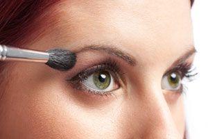 Ilustración de Maquillaje para ojos verdes