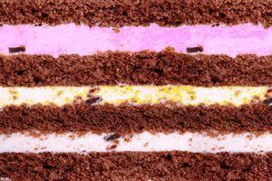 Ilustración de Postre helado de varios colores