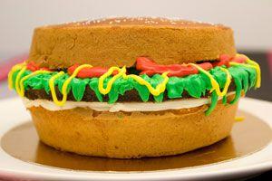 Ilustración de Magdalenas con forma de hamburguesa