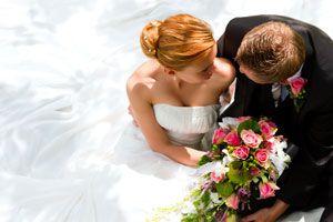 Ilustración de Cómo reducir gastos en una boda