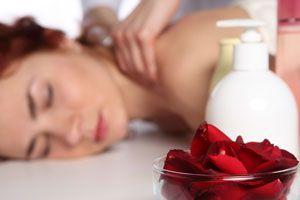 Ilustración de Aceites caseros para usar en masajes para la piel