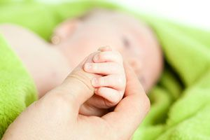 Ilustración de Lo bueno y lo malo de adoptar a un beb&eacute