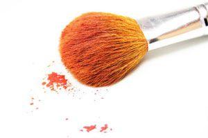 Ilustración de Cómo hacer polvo bronceador casero