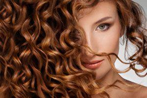 Ilustración de Cómo secar el cabello rizado sin dañarlo