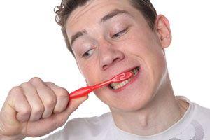 Ilustración de 6 errores comunes al cepillarte los dientes