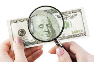 Ilustración de Cómo identificar billetes falsos