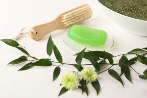 Recetas de jabones caseros. Ingredientes y preparación de jabones artesanales a base de hierbas. Uso de las hierbas aromáticas para hacer jabones