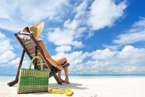 Ilustración de Cómo cuidar el bolso en la playa
