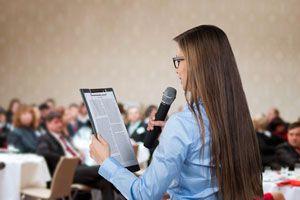 Ilustración de Cómo leer un discurso