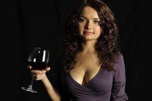 Ilustración de Vino tinto, un afrodisíaco para las mujeres