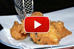 Ilustración de Cómo quitar el aceite de las frituras - Video