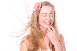 Ilustración de Cómo eliminar la estática del cabello