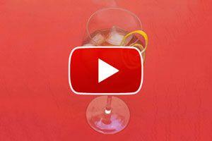 Ilustración de Cómo hacer el cóctel French Kiss - video