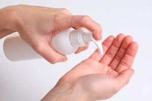 Ilustración de C&oacutemo hacer gel de manos y ducha