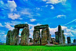Ilustración de 3 Destinos para hacer Turismo Espiritual en Inglaterra
