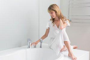 Ilustración de Cómo hacer un baño de vinagre