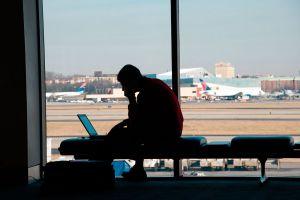 Ilustración de Cómo Conseguir Trabajo y Viajar