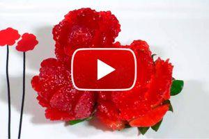 Ilustración de Cómo hacer Frutillas con Forma de Flor para Decorar