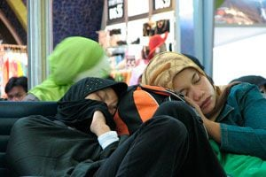 Ilustración de Cómo Dormir más Cómodo en el Aeropuerto