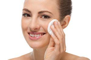 Ilustración de Cómo hacer un Removedor de Maquillaje Casero