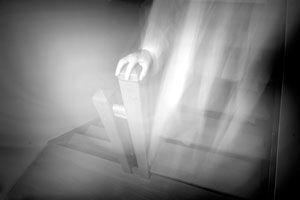 Ilustración de Cómo Saber si hay Fantasmas en la Casa