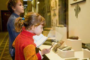 Ilustración de Cómo Recorrer un Museo