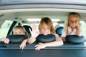 Cómo hacer un viaje en coche con niños. Consejos para viajar con niños en el coche. Tips para hacer un viaje largo en coche con niños