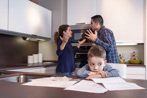 Ilustración de La Importancia de No Discutir Frente a los Niños