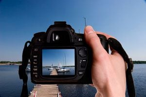 Ilustración de Cómo Cuidar la Cámara de Fotos en Vacaciones