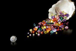Consejos para elegir piedras preciosas para regalar. Cómo regalar piedras preciosas según el signo, fecha y otros detalles.