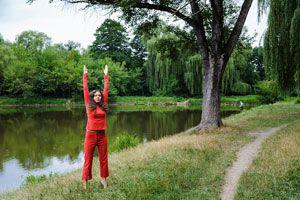 Ilustración de Posturas de Yoga para Aliviar la Congesti&oacuten Nasal