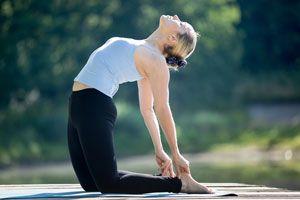 Ilustración de Posturas de Yoga para Mejorar el Placer Sexual