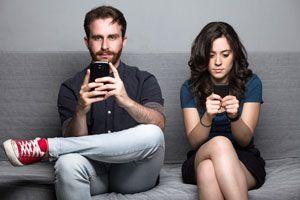 Ilustración de ¿Las Redes Sociales Afectan las Relaciones?