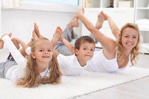 Ilustración de 4 Ejercicios de Yoga para Niños