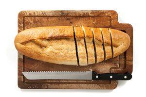 Ilustración de Cómo hacer una Tabla para Cortar el Pan