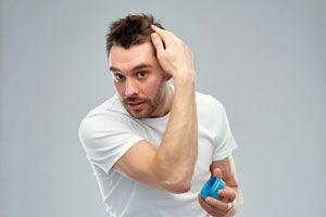 3 Recetas de modeladores para el cabello. Cómo modelar el pelo con productos caseros. Recetas caseras para modelar el pelo. Spray casero para el pelo