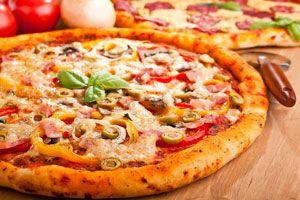Ilustración de Cómo hacer Pizza con Bordes Rellenos
