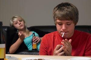 Claves para saber si tu hijo se droga. Cómo saber si un adolescentes se droga. Claves para saber si un joven se droga. Sabe si tu hijo es adicto