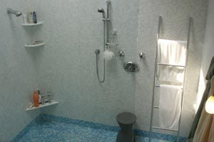 Ilustración de Consejos para consumir menos agua al usar el ba&ntildeo