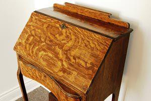 Ilustración de Restaurar muebles usados para dejarlos como nuevos