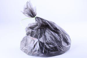 Ilustración de Ideas para reciclar las bolsas de plástico dándoles nuevos usos